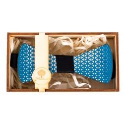 Drewniana muszka -niebieska w trójkąty