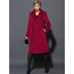 płaszcz Dziekański Estera bordowy na modelce