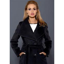 płaszcz Dziekański Flawia czarny na modelce