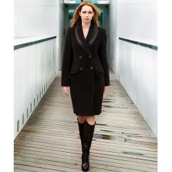płaszcz Izolda Dziekański brąz na modelce