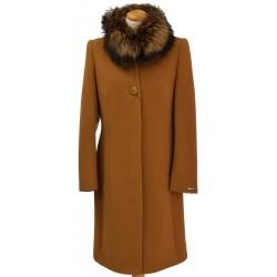płaszcz Dziekański Marta lis na modelce