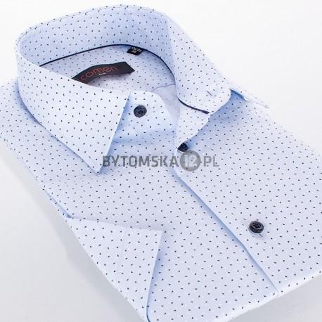 Błękitna koszula Comen z krótkim rękawem z wzorem w granatowe trójkąciki