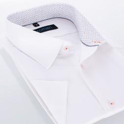 Biała koszula slim Comen z krótkim rękawem i lamówką w szare trójkąty