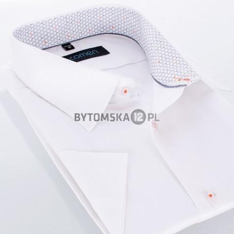 Biała koszula Comen z krótkim rękawem i lamówką w szare trójkąty