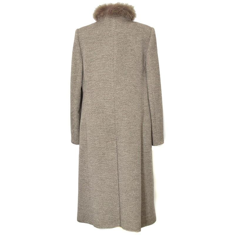 płaszcz Dziekański Ludmiła z tyłu