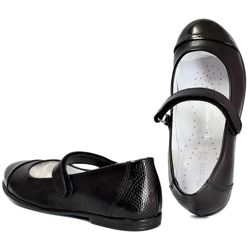 baleriny Kornecki 4679 pasek czarne