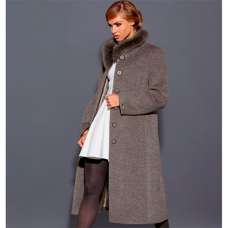 płaszcz Dziekański Ludmiła na modelce